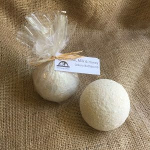 Oatmeal, Milk & Honey Luxury Bath Bomb